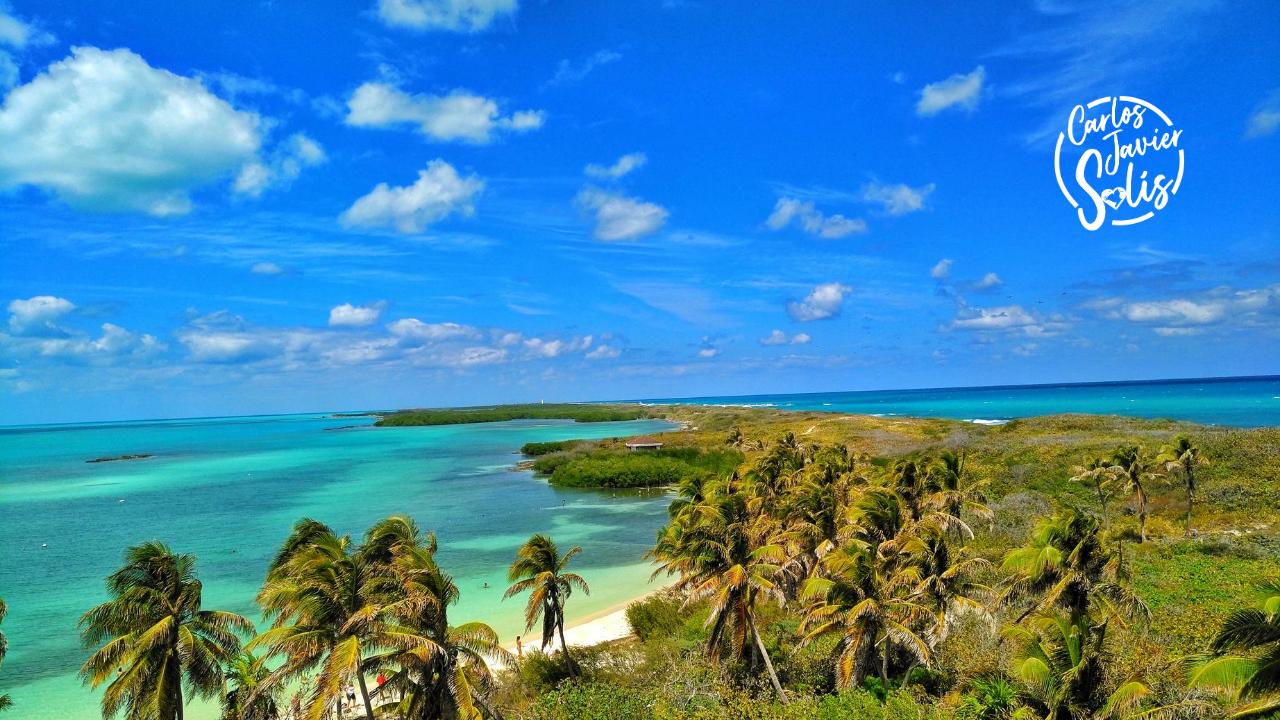 Foto de la Isla Contoy, una de las experiencias imprescindibles que vivir en Cancún