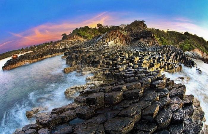 Gành đá dĩa Phú Yên