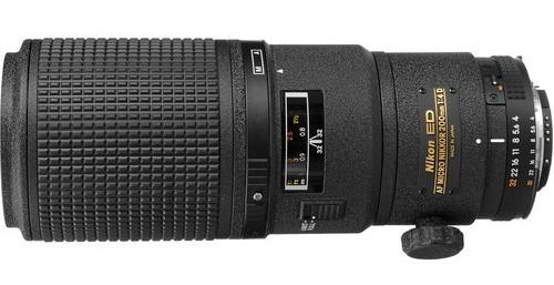 Nikon 200mm f / 4D AF