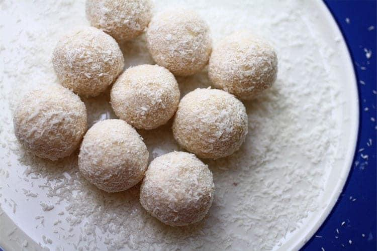 Creamy Coconut and Cinnamon Fat Bombs