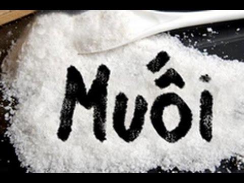 Giải xui bằng muối được nhiều người áp dụng trong cuộc sống