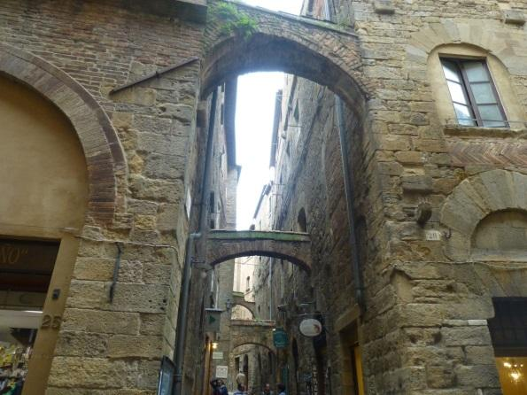 C:\Users\Gonzalo\Desktop\Documentos\Fotografías\La Toscana\103_PANA\103_PANA\P1030282.JPG