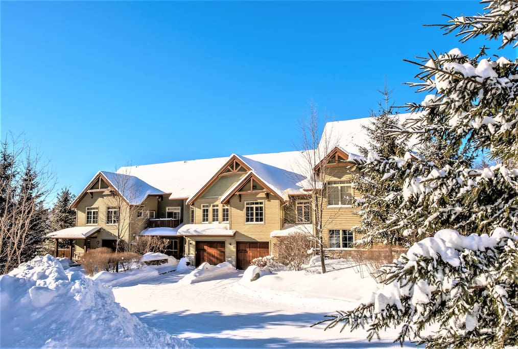 Cottages for rent with 4 bedrooms in Quebec #14