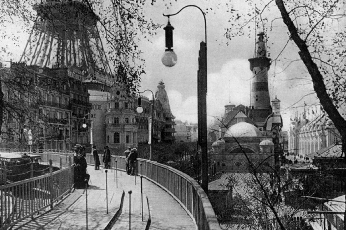 מדרכה נעה ביריד הבינלאומי בפאריס, 1900.jpg