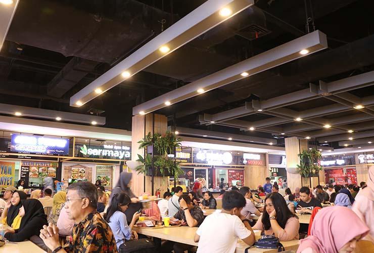 Hasil foto DSLR - Foto indoor, cahaya redup. (Foto: Setia Gunawan)