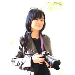 光と仲良くなれるフォトレッスン ジョイフォト!主宰                                 フォトグラファー たまボケハンター シネマティック動画クリエーター                                                                                      2014年7月2日 女性のための写真教室 ジョイフォト!オープン                                                                                2014年10月 フランスパリで開催されたフォトコンテスト Festival de la Culture Traditionnelle du Soleil Levantに入賞      Lily Chic 上級認定取得(初の認定教室として2015年7月まで活動)                            日本フォトスタイリング協会1級インストラクターコース修了                                                   日本フラワーサロン協会ディプロマ取得