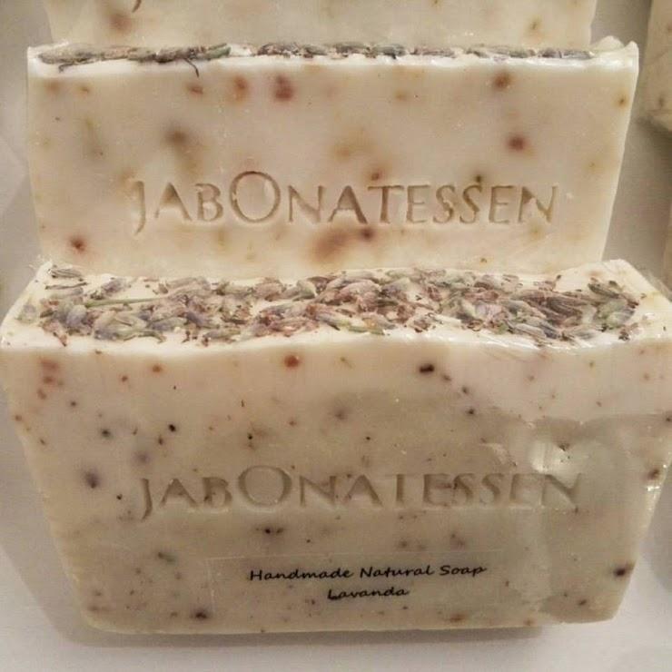 Jabón natural espliego flor lavanda, aroma relajante.