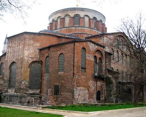 http://i.tmgrup.com.tr/ml/galeri/yasam/istanbuldaki-muzeler-541348406468/09_d.jpg