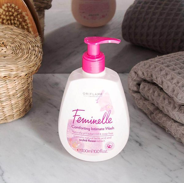 Dung dịch vệ sinh phụ nữ của Oriflame Feminelle