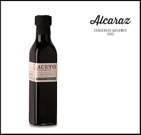 Elaborado con vinagre  de vino y mosto de uva mendocino, aromatizado con hierbas de montaña