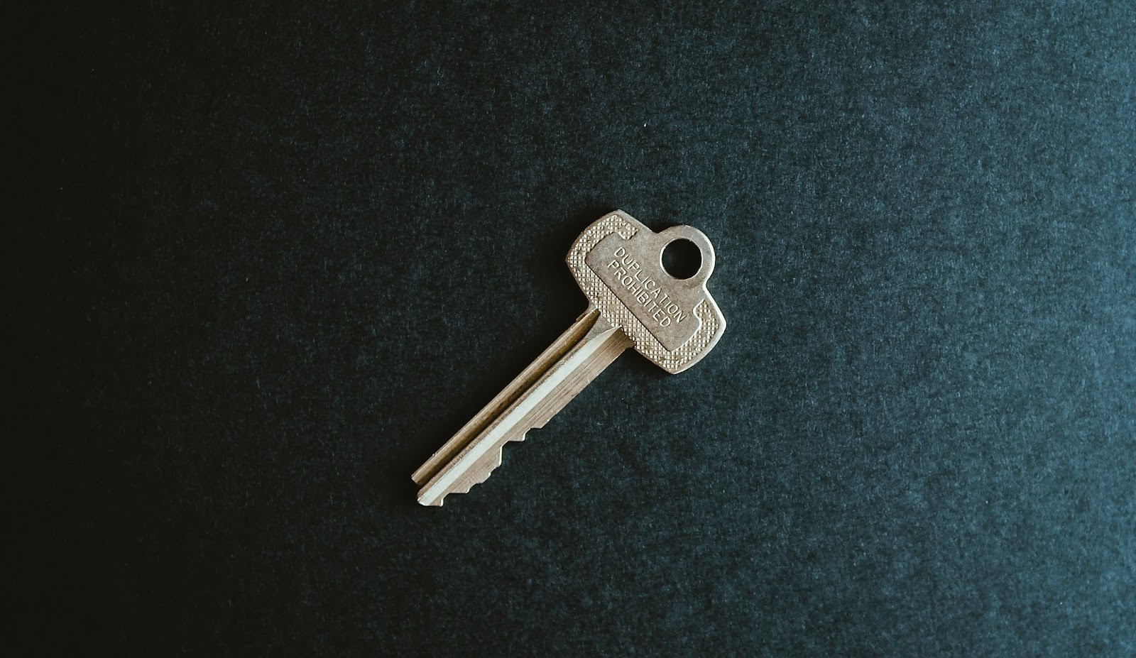 An image of a key.