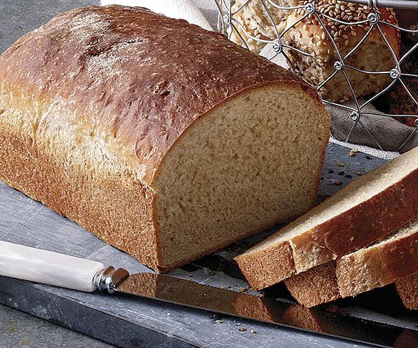 Whole wheat Sandwich bread loaf.jpg