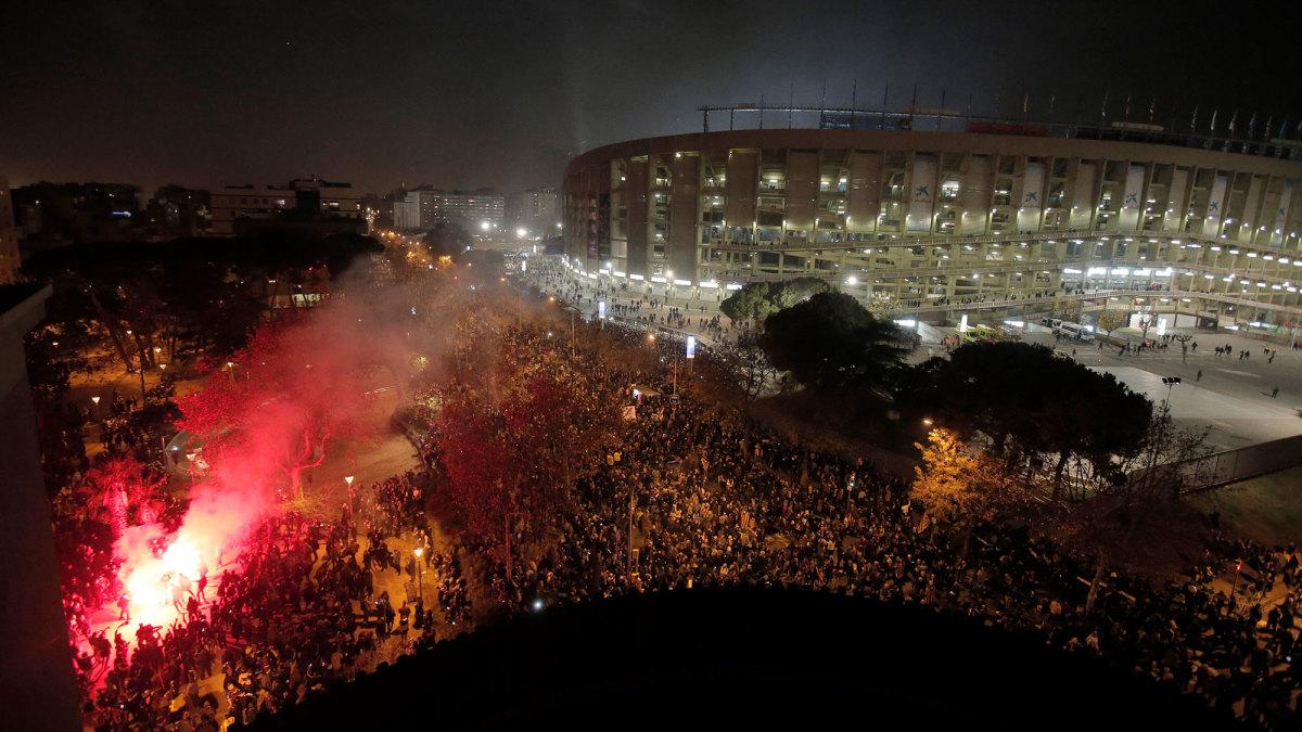 Partido de fútbol se interrumpe por protesta separatista