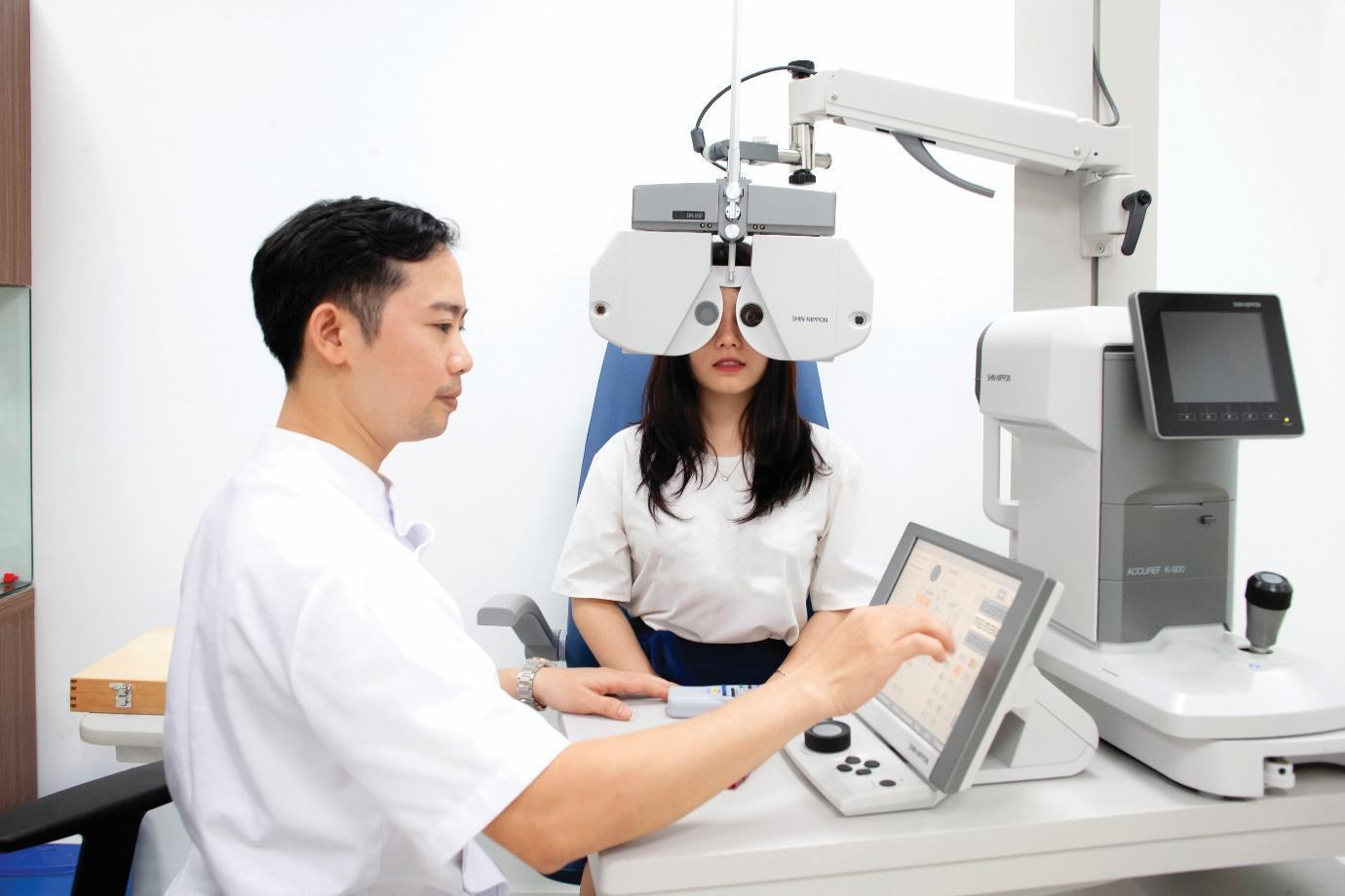 Mổ mắt cận thị
