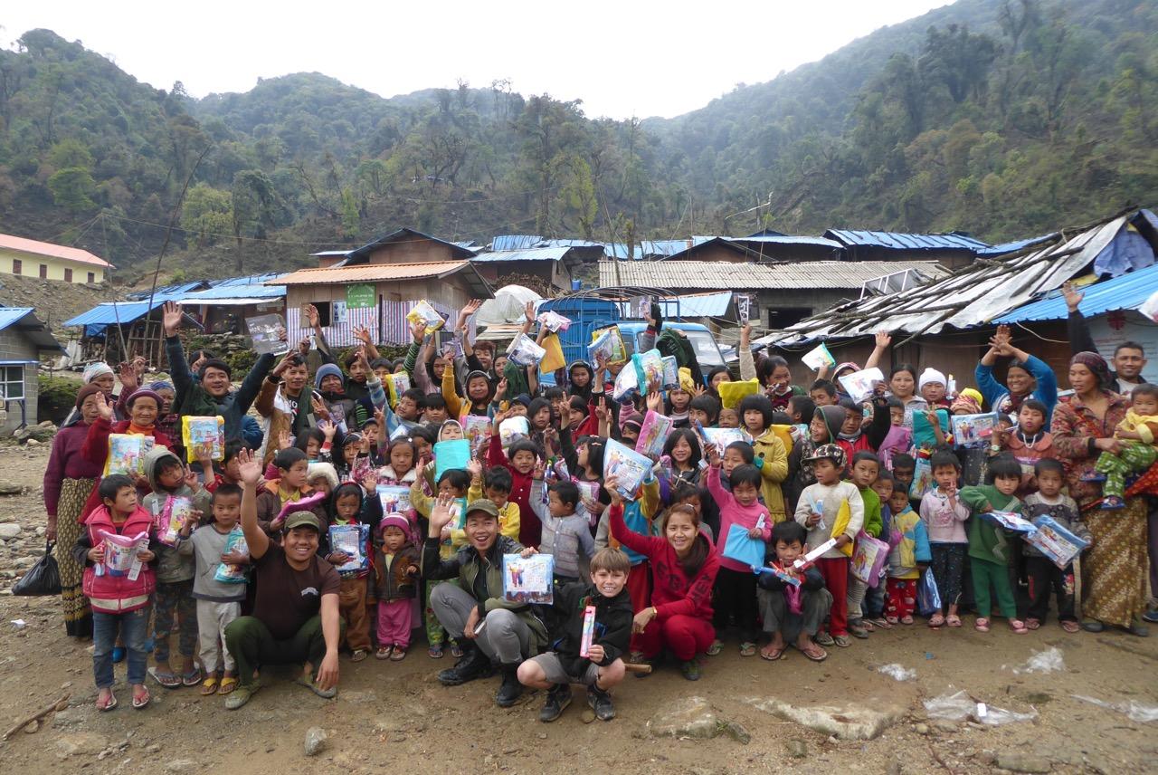 IDP children and teachers in Suden.