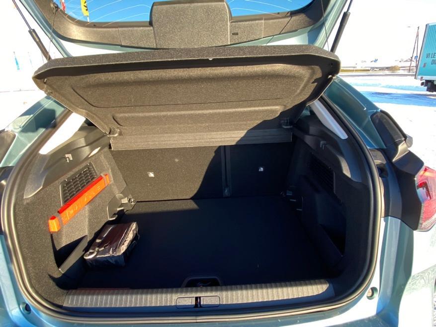 Et bilde som inneholder bil, bagasjerom, transport, kjøretøy  Automatisk generert beskrivelse