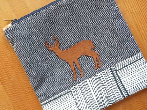 Pouch Featuring Silhouette of Deer