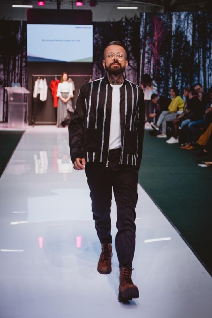 SEO Alt Text: Model Dan Pontarlier Styled By Roberta Lee, Pure London Runway Feb 2020 | Conscious Fashion Brands | All Black Men's Casual Look
