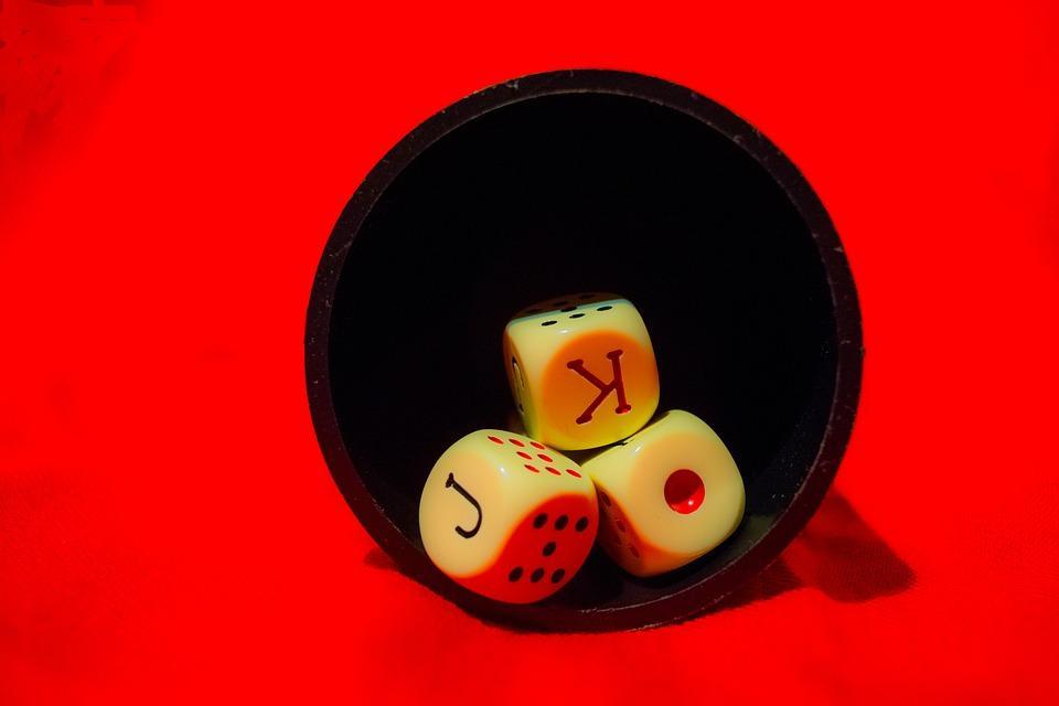 Dados, Cubilete, Juego, Rojo, Casino, Apuesta, As