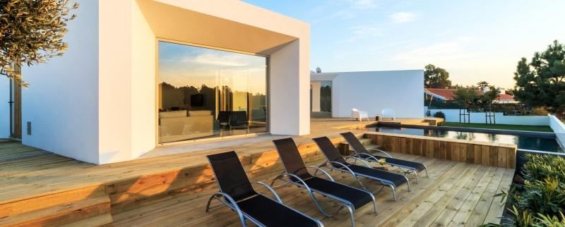 Obsah obrázku interiér, budova, stůl, život  Popis byl vytvořen automaticky