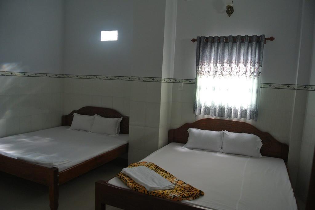 Phòng ngủ Hoa Lý Guesthouse homestay Châu Đốc An Giang