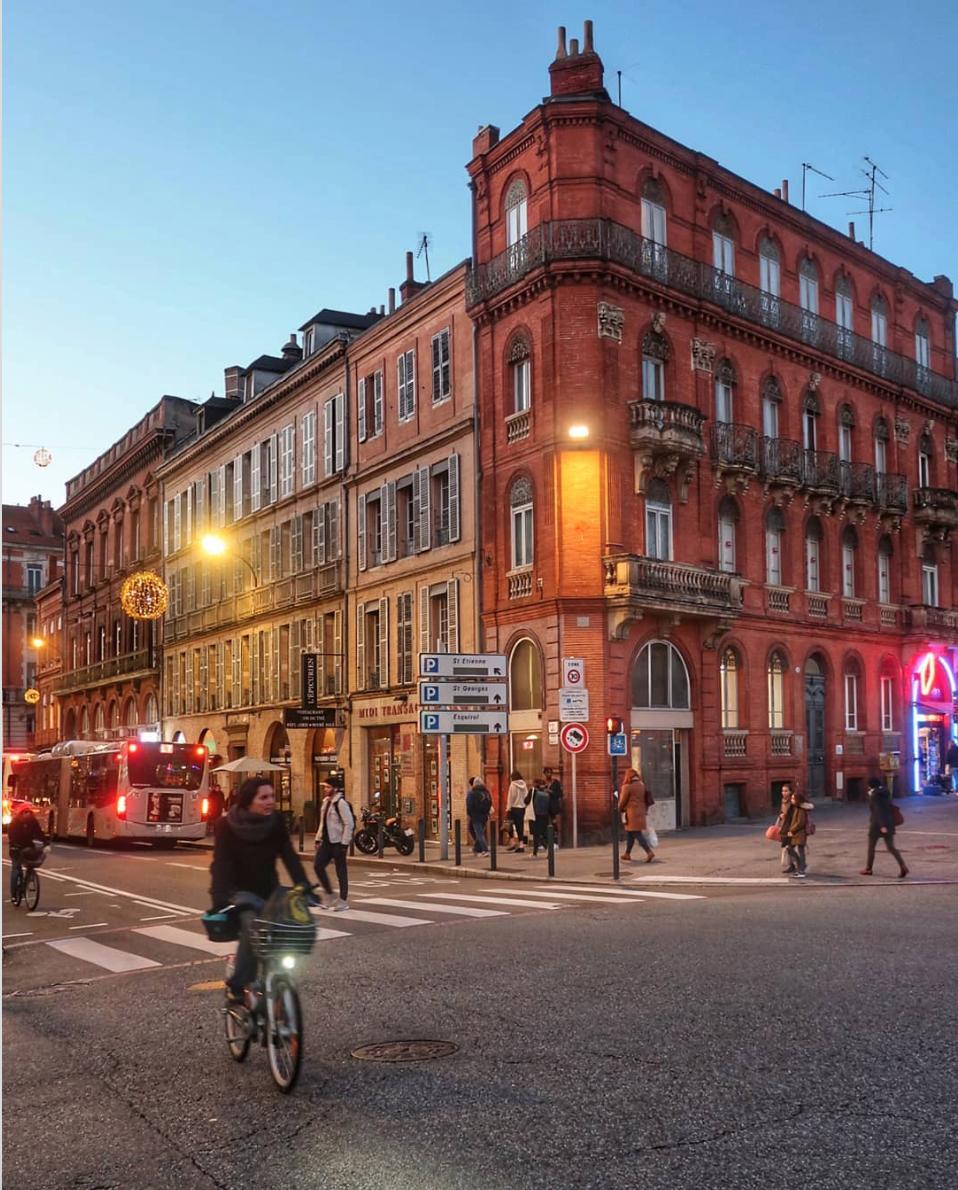 Toulouse rue ville rose bâtiment ancien