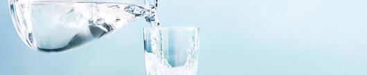 5 trikov, ki naredijo pitno vodo (še) bolj okusno