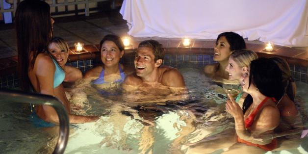 http://i.huffpost.com/gen/1800936/images/n-HOT-TUB-GERMS-628x314.jpg