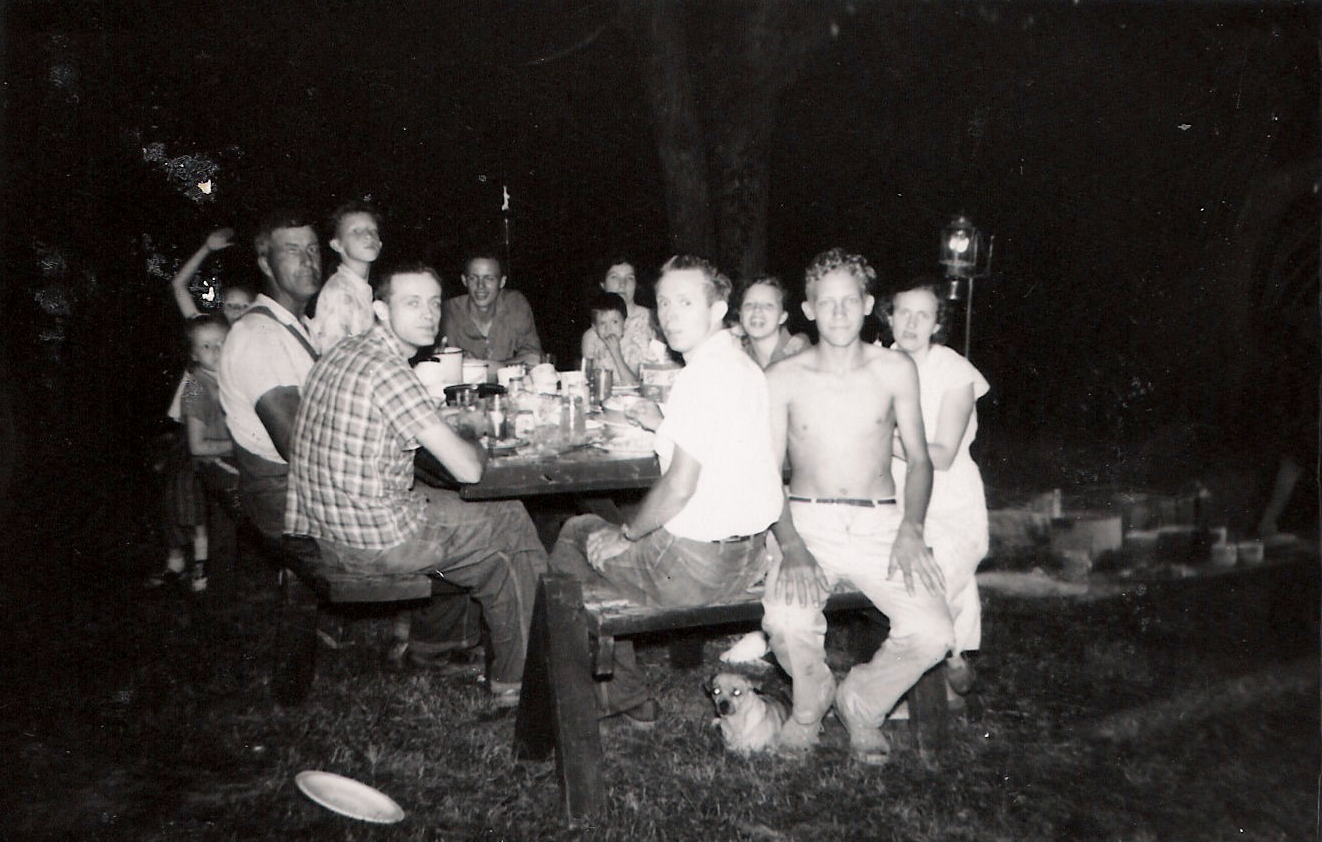 1960 Homeplace, Roy, Charles, Jim and families.png