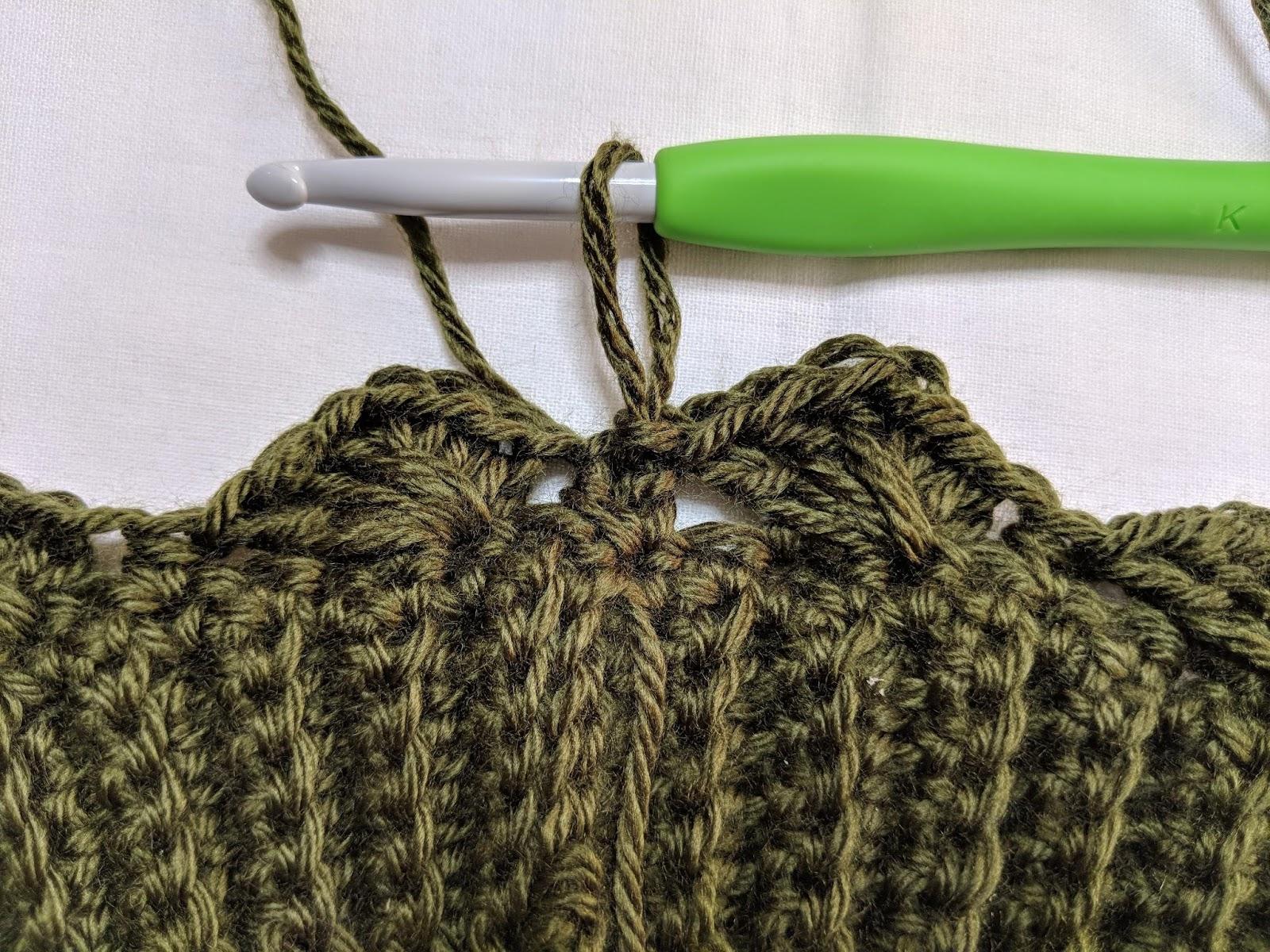 The Amphitrite Gloves - Free Crochet Pattern