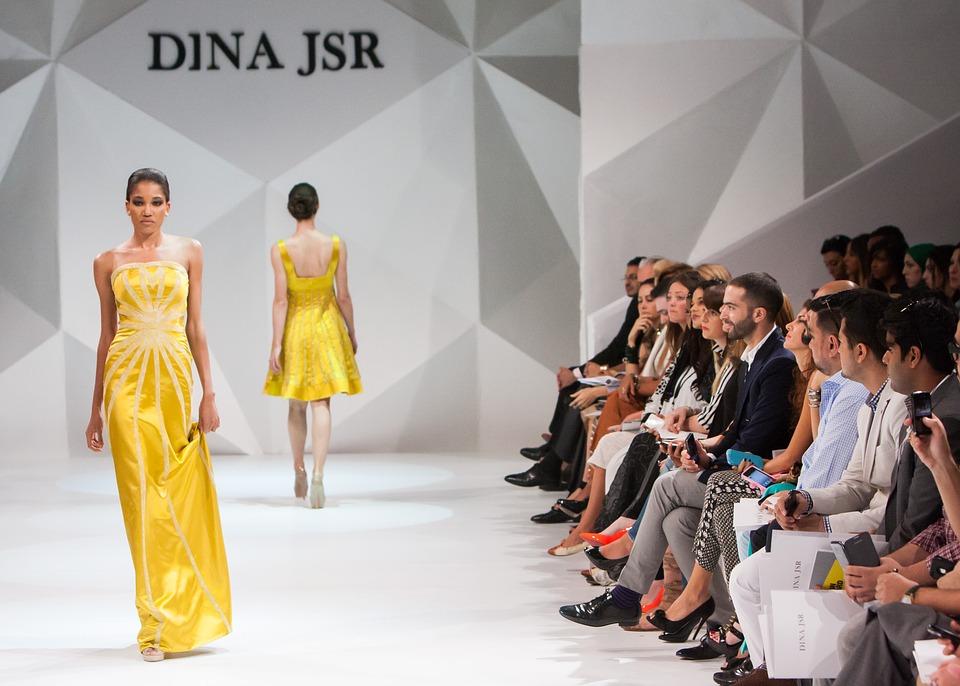 fashion-show-1746582_960_720.jpg