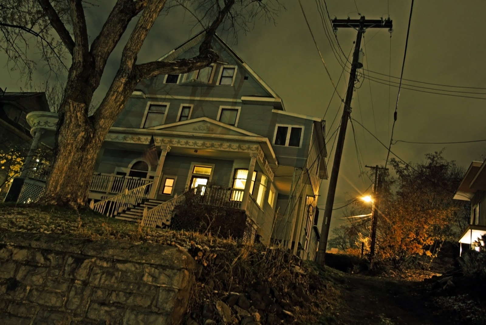 haunted-house-on-hill.jpg