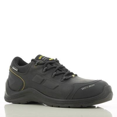 Có cần thiết phải sử dụng giày bảo hộ siêu nhẹ hay không?