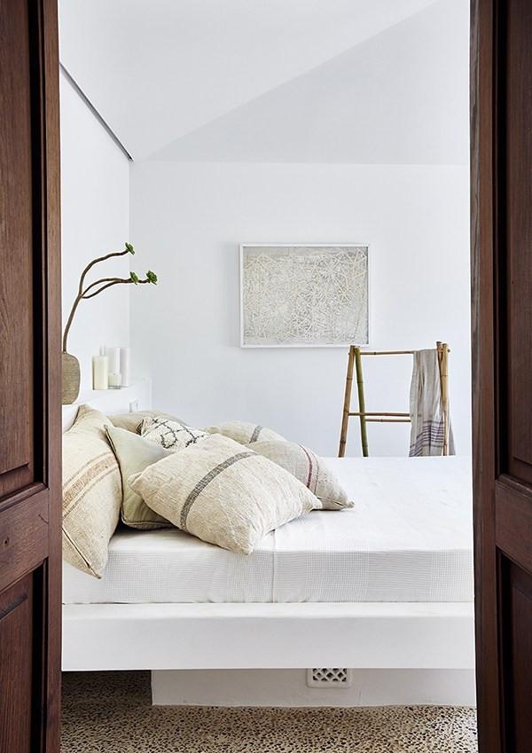 Estilos de decoración de interiores:  dormitorio estilo rústico moderno