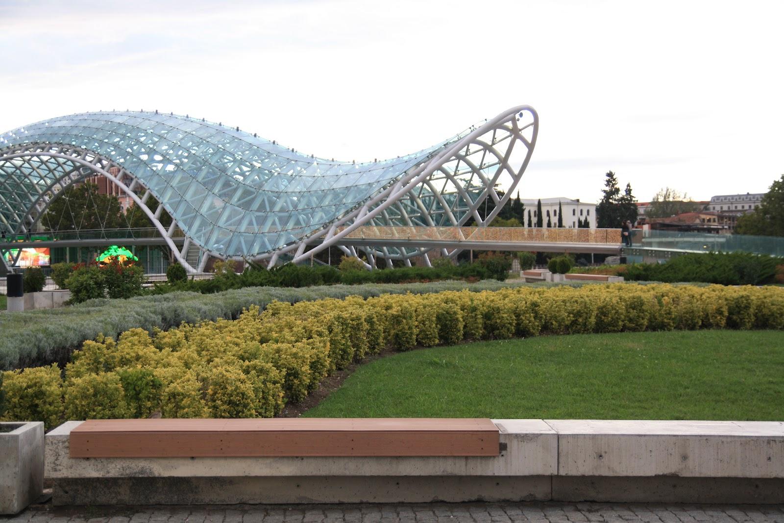 Скляний мост