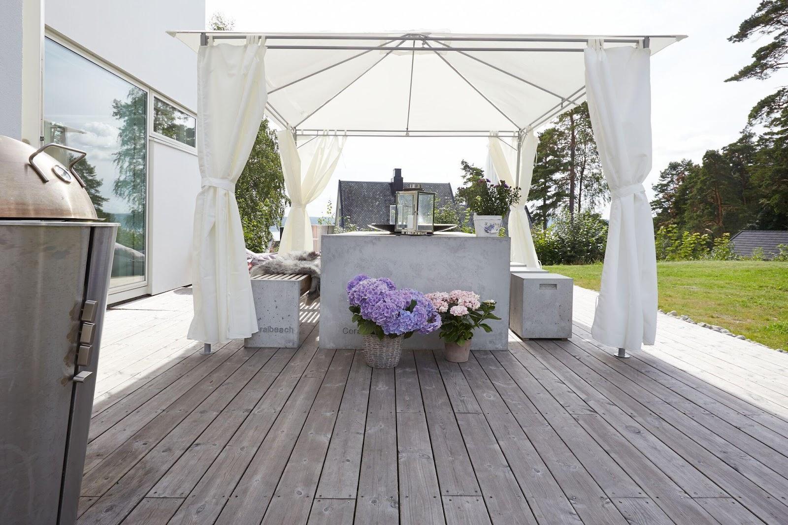 Terrasse med betondetaljer