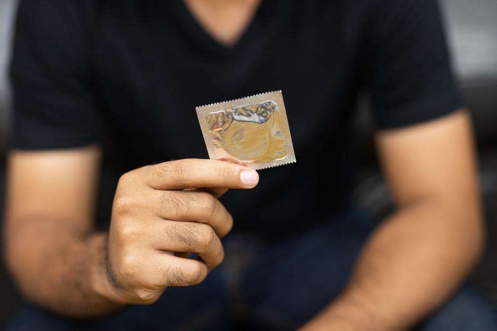 Camisinha é a principal forma de prevenção do HIV. (Fonte: Shutterstock)