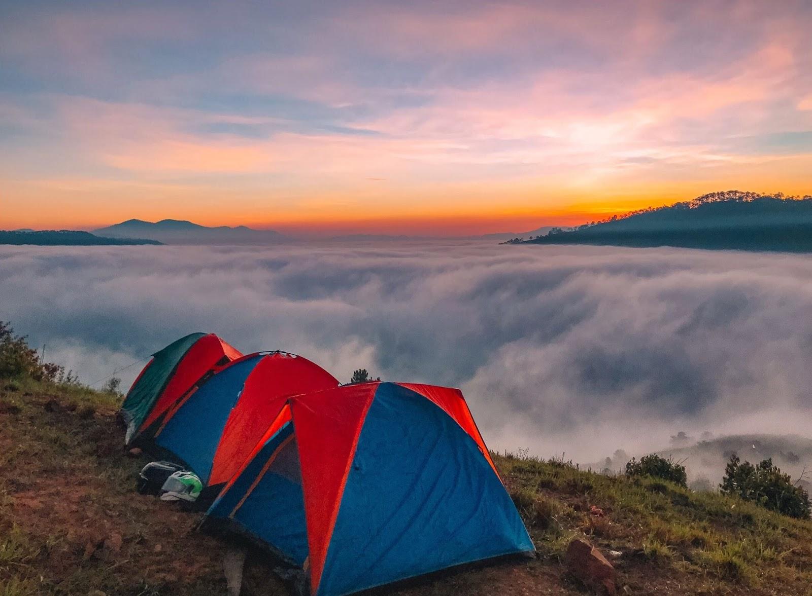 Cắm trại ở đỉnh núi Langbiang