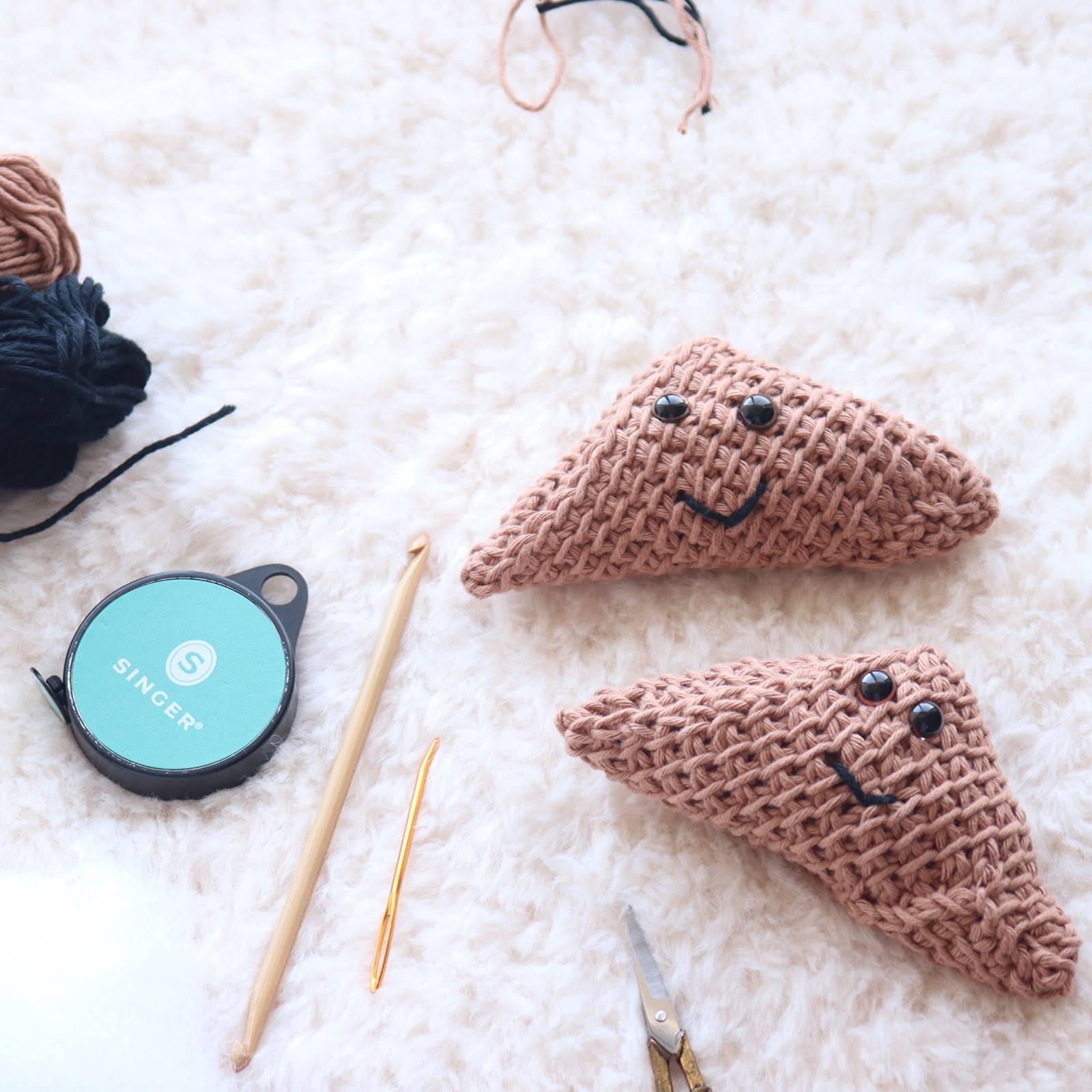 Looking for a free crochet food patterns?! Try your hand at this cute Tunisian crochet Samosa pattern with a full video tutorial!