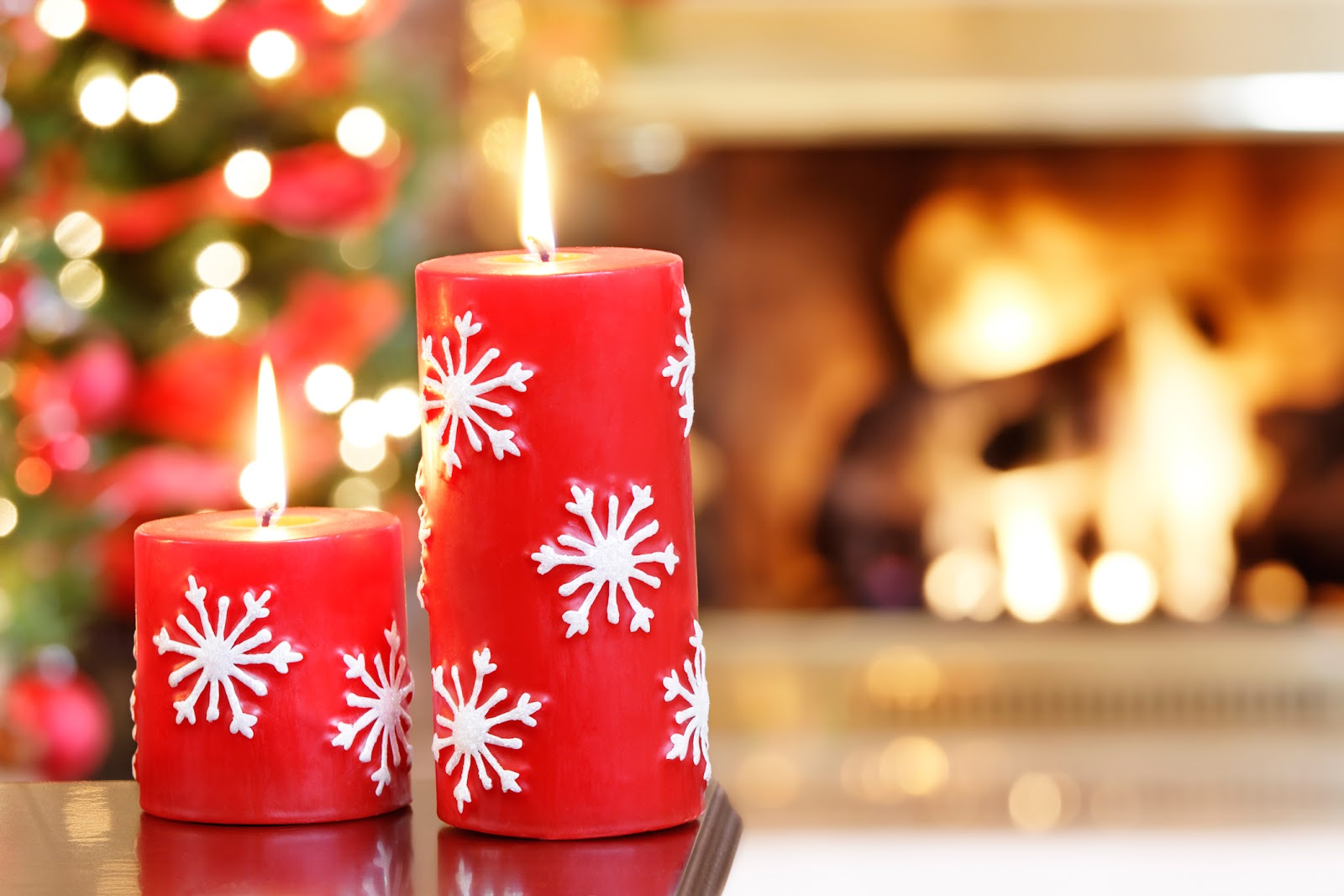 candles-at-christmas1[1].jpg