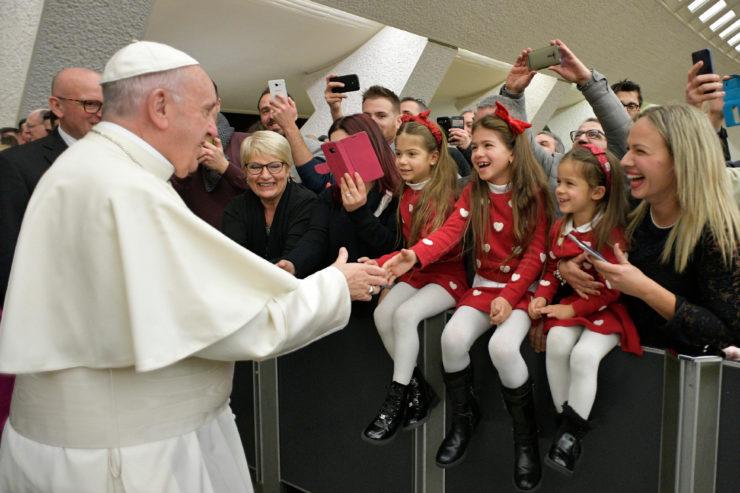 Những lời chia sẻ của Đức Thánh Cha với các nhân viên Vatican và gia đình của họ