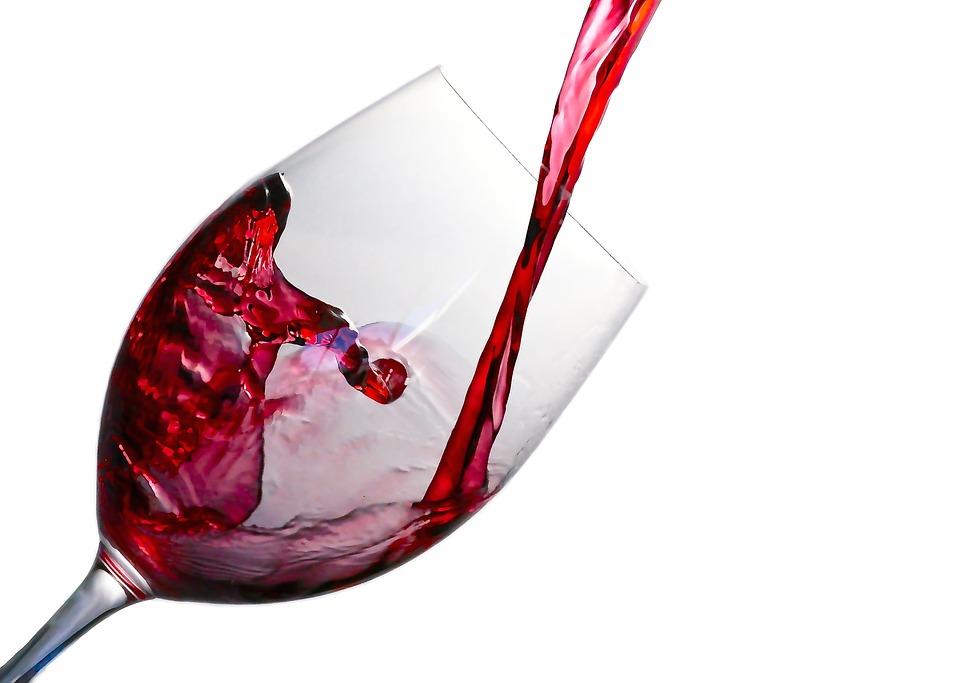 スパークリングワインおすすめ10選!選び方や美味しく飲むためのコツも紹介