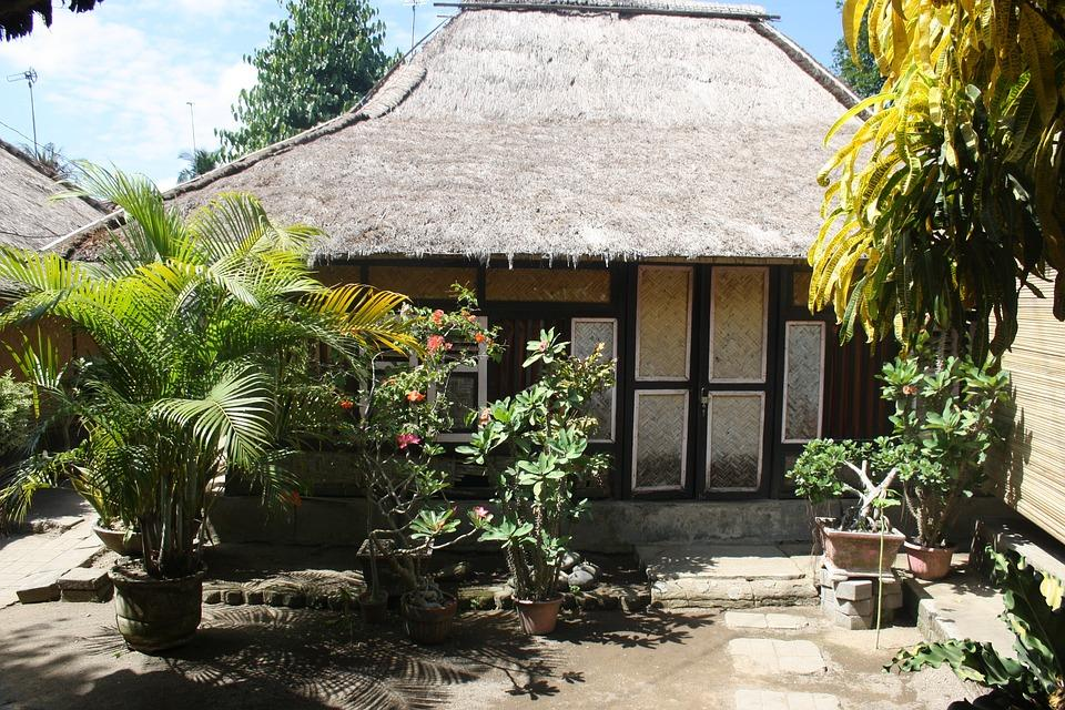 Indonesia, Lombok, Sade, Village House