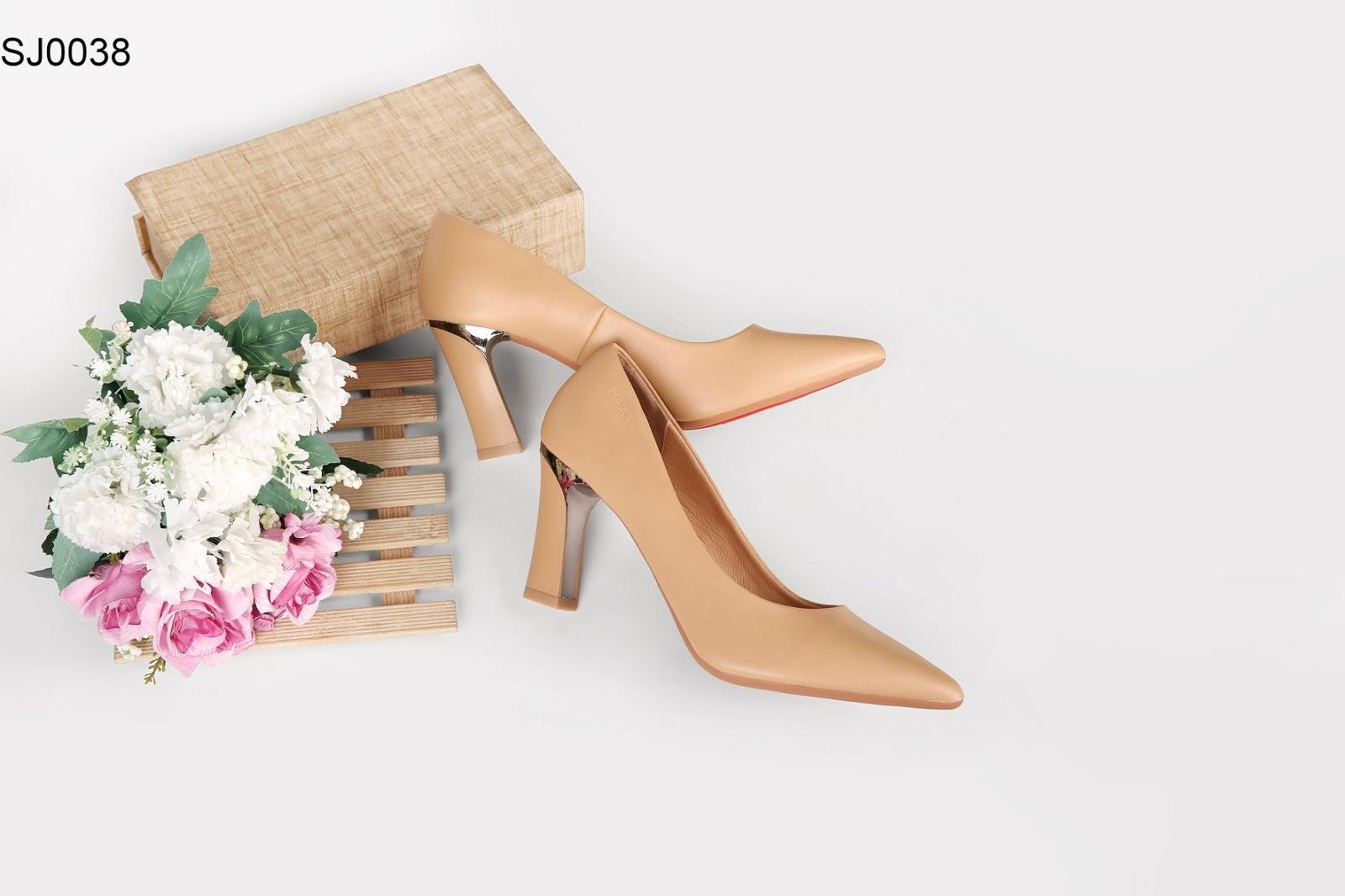 Giày cao gót cần được sản xuất theo xu hướng, thị hiếu của khách hàng