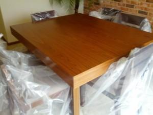 mesa-madera-sala