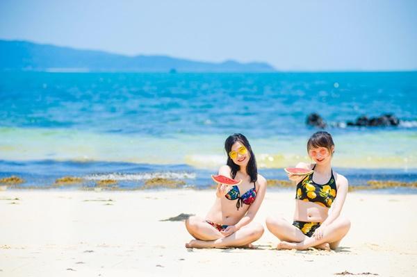 Hồng Vàn bãi biển đáng đến nhất tại Cô Tô