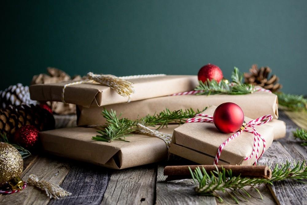bahasa kasih hadiah gifts