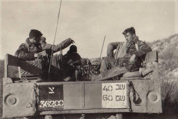 E:\ארכיון סיירת שקד\נופלי סיירת שקד\לניאדו יצחק\תמונות לכתבה\סיור של סיירת שקד בוואדי שקמה, 1966 צילום רפי רוגל.jpg
