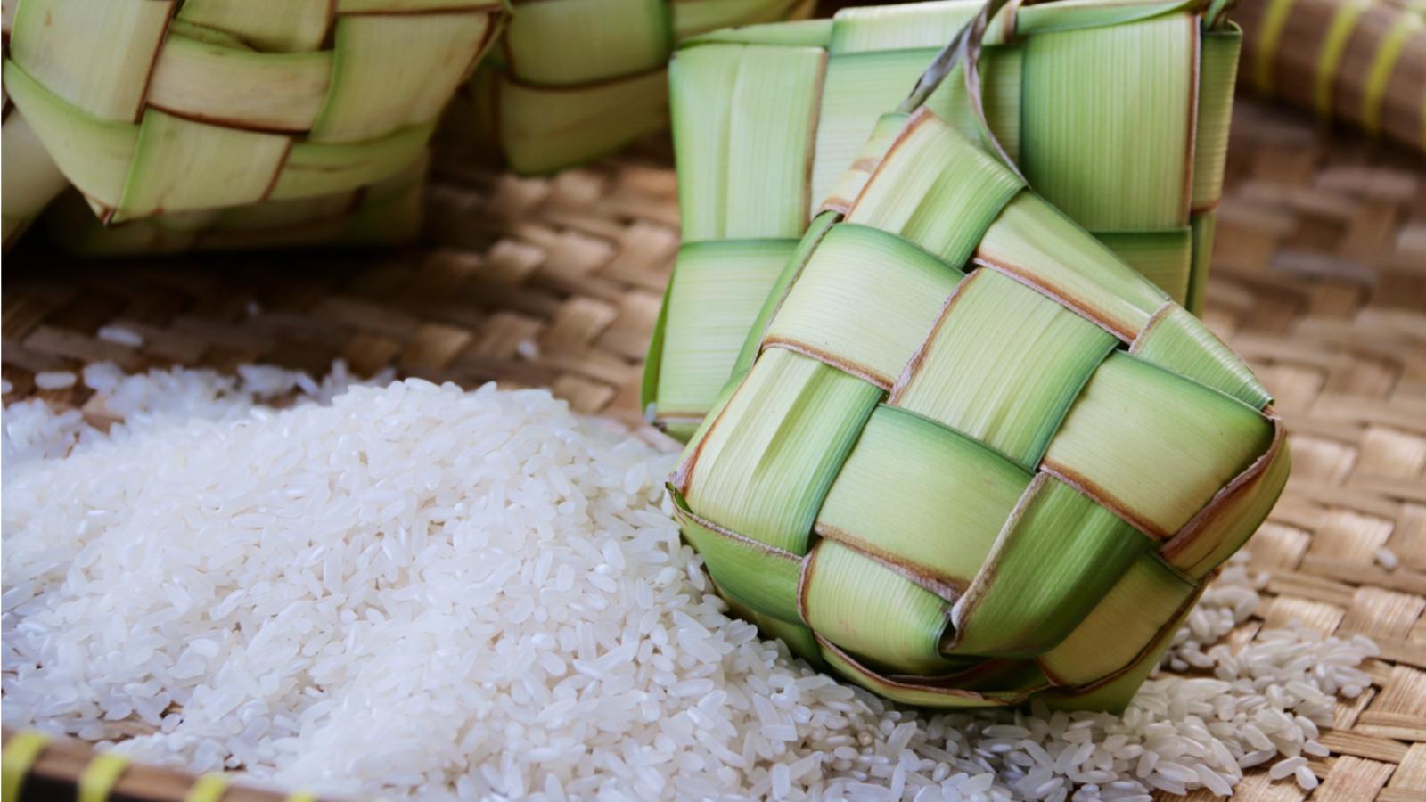 Bánh Kentupat truyền thống