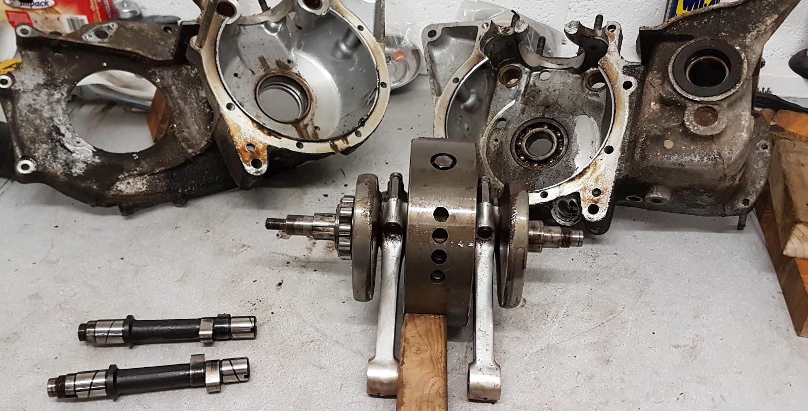 Triumph Bonneville crank case split.